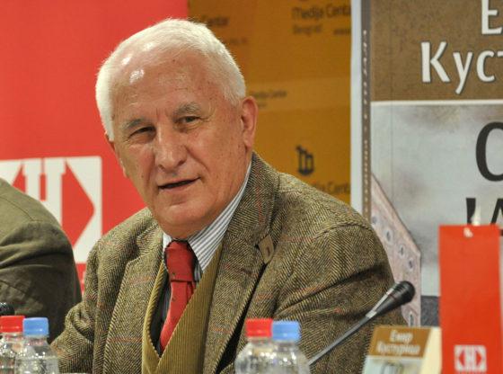 Kako to Matija Bećković ugrožava red i mir? Odrešene ruke policije u Crnoj Gori