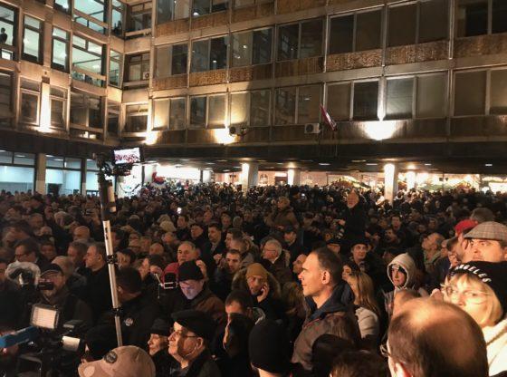 Ko će da postavi zahteve protesta u Srbiji?