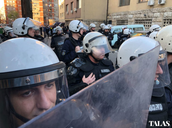 Trojica privedenih tokom protesta za Talas o iskustvu sa policijom