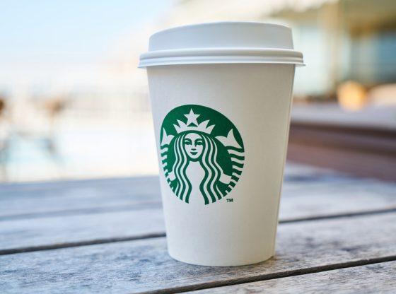 Pustite ljude da čekaju kafu u Starbaksu