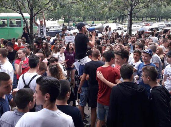 Gubitnici i dobitnici protesta osmaka povodom male mature