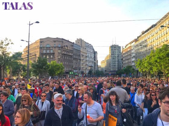 Pogrešno se pretpostavlja da se radi o milionima glasača pro-demokratskog opredeljenja, koje samo treba nekako naterati na izbore pa će Vučić pasti