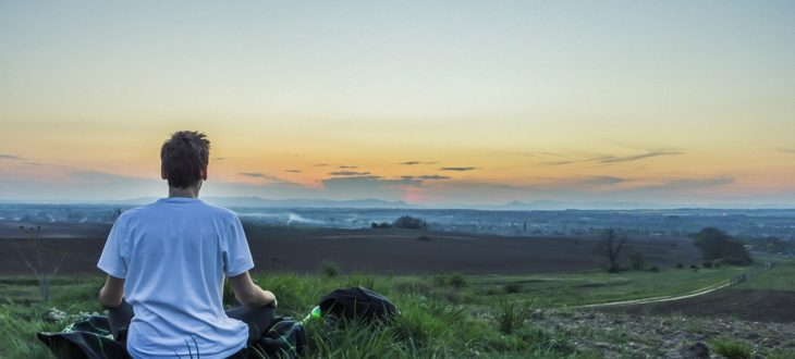 Zašto ljudi meditiraju i kakvi su efekti meditacije? Anketa