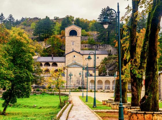 Šta je rešenje za imovinu SPC u Crnoj Gori?