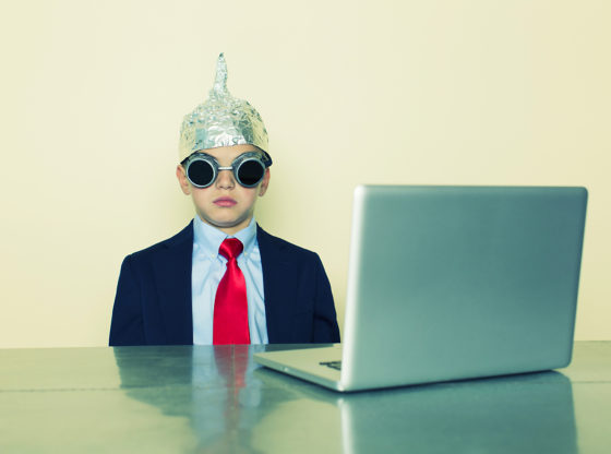 Teorije zavere o korona virusu na internetu - kako ih suzbiti