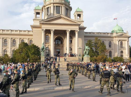 Sve naše podele – politički i psihološki koreni polarizacije u Srbiji