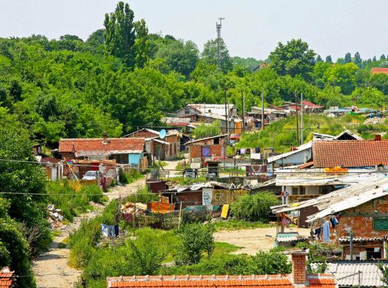 Romi u Srbiji - ravnopravni građani drugog reda?