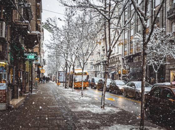 Između zatvaranja i ignorisanja – 4 mere za korona zimu